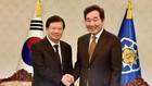 Phó Thủ tướng Trịnh Đình Dũng hội kiến Thủ tướng Hàn Quốc Lee Nak Yeon - Ảnh: VGP