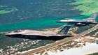 Một tiêm kích F-35 bên cạnh máy bay F-16 trong cuộc tập trận. Ảnh: Không quân Mỹ.