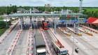 Trạm thu phí BOT Cai Lậy được đặt trên QL1 để hoàn vốn cho tuyến tránh được làm mới và cả hạng mục cải tạo tăng cường 26,4km QL1 - đoạn qua thị xã Cai Lậy. Ảnh: Lê Phong