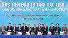 Thủ tướng Nguyễn Xuân Phúc chứng kiến lễ ký kết hợp tác giữa UBND tỉnh Bạc Liêu với các nhà đầu tư. Ảnh: Quang Hiếu