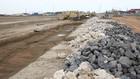 Tại Dự án Đê biển Nam Đình Vũ có tình trạng chỉ định thầu một số gói thầu khi chưa có kế hoạch lựa chọn nhà thầu được duyệt. Ảnh: Trần Sơn