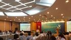 Ông Phạm Tiến Dũng - Vụ trưởng Vụ Thanh toán của Ngân hàng Nhà nước giải trình, tiếp thu ý kiến đóng góp cho Dự thảo Thông tư sửa đổi. Ảnh: Trần Nam.