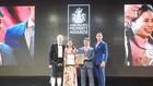 """Đại diện Vinhomes nhận giải """"Khu đô thị tốt nhất Việt Nam 2018"""" cho KĐT Vinhomes Riverside do APPA vinh danh"""