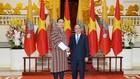Thủ tướng Nguyễn Xuân Phúc và Chủ tịch Thượng viện Bhutan Tashi Dorji.  Ảnh: VGP