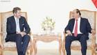 Thủ tướng Nguyễn Xuân Phúc tiếp Chủ tịch Phòng Kinh tế Áo, ông Harald Mahrer. Ảnh: VGP