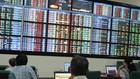 Một số cổ phiếu chỉ tăng vài phiên khi lên sàn trước khi đảo chiều giảm giá. Ảnh: N. Hiền