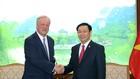 Phó Thủ tướng Vương Đình Huệ và ông David Cruiskshank, Chủ tịch Hãng kiểm toán Deloitte toàn cầu - Ảnh: VGP
