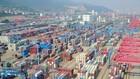 Một cảng hàng hóa ở Giang Tô, Trung Quốc ngày 8/6. (Nguồn: AFP/TTXVN)