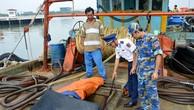 Phát hiện nhiều mua bán, vận chuyển dầu 'lậu' trên biển