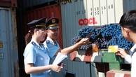 Hải quan kiểm tra hàng hóa nhập khẩu (Ảnh: Báo Hải quan)
