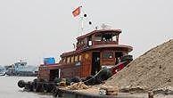 Đấu giá đoàn sà lan - tàu đẩy tại Ninh Bình