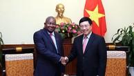 Phó Thủ tướng Phạm Bình Minh tiếp Đại sứ Mozambique