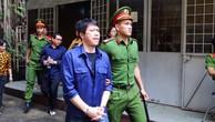 """Vụ """"logo xe vua"""": Tòa hoãn xử vì luật sư bận vụ Phan Văn Vĩnh"""