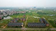 Đoàn giám sát của HĐND TP Hà Nội vừa nêu tên hàng loạt dự án chậm triển khai trên địa bàn, trong đó có khu đô thị Kim Chung – Di Trạch (huyện Hoài Đức).  Dự án được UBND tỉnh Hà Tây (cũ) phê duyệt năm 2007 và giao đất cho Tổng công ty Thương mại và Xây