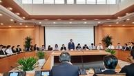 Chủ tịch UBND TP. Hà Nội Nguyễn Đức Chung phát biểu tại cuộc gặp với đoàn đại biểu 100 chuyên gia, nhà khoa học người Việt ở nước ngoài. Ảnh: Nguyệt Minh