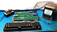 Máy tính sản xuất năm 1976 của Apple được đem đấu giá