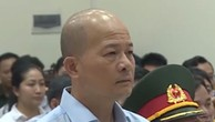 Bị cáo Đinh Ngọc Hệ khi nghe tòa tuyên án.