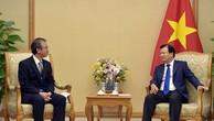 Phó Thủ tướng Trịnh Đình Dũng và Thống đốc tỉnh Niigata, Nhật Bản. Ảnh: VGP