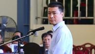 Phan Sào Nam trong phiên tòa sáng 19/11.