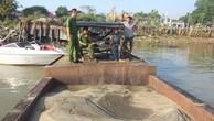 Một thuyền khai thác cát lậu trên sông Đồng Nai bị công an bắt giữ