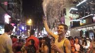 Nghìn du khách 'quậy tưng' phố Tây Sài Gòn mừng năm mới