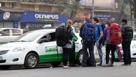Các hãng taxi rục rịch giảm cước