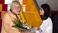 Thủ tướng Ấn Độ bắt đầu thăm chính thức Việt Nam