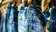 Từ mai, quần jeans Mỹ xuất sang EU sẽ phải chịu thuế nhập khẩu. Ảnh:BBC