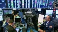Nasdaq lập kỷ lục, Dow Jones giảm 7 ngày liên tiếp