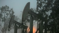 Đang có nhiều dự báo cho rằng nguồn cung dầu sẽ tăng trong thời gian tới - Ảnh: Getty/Market Watch.