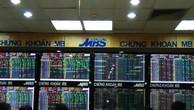 Trong nhóm VN30, nhiều cổ phiếu tăng mạnh tạo lực đẩy khiến VN-Index giữ được sắc xanh. Ảnh minh họa: Văn Giáp/BNEWS/TTXVN
