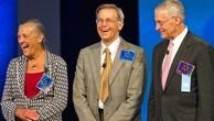 Alice, Jim và Rob Walton là ba thành viên trong gia đình sở hữu Walmart. Ảnh:Walmart