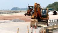 Gần 3 năm qua, Công ty TNHH Như Nam chỉ được công khai trúng Gói thầu 01.XL Xây dựng nền mặt đường và các công trình trên tuyến đường Lê Hữu Trác, thị xã Hồng Lĩnh (Hà Tĩnh). Ảnh: Hoài Tâm