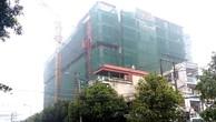 Việc thi công Dự án Great Dragon Hotel gây lún nứt cho các công trình xung quanh. Ảnh: Hoàng Linh