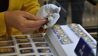 Giá vàng miếng trong nước hiện cao hơn thế giới khoảng 2,7 triệu đồng.
