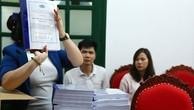 Lễ mở hồ sơ đề xuất về kỹ thuật Gói thầu Mua sữa tại Hà Nội với sự tham gia của 3 nhà thầu nộp hồ sơ dự thầu. Ảnh: Lê Tiên