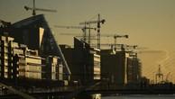 Quang cảnh một công trường xây dựng tại quận tài chính ở Dublin, Ireland, hôm 18/10 - Ảnh: Reuters.