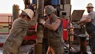 Giảm liên tiếp 10 phiên, giá dầu mất hết thành quả tăng từ đầu năm