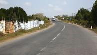 Quá trình thực hiện Dự án Đầu tư xây dựng đường Hòa Lạc - Hòa Bình và cải tạo, nâng cấp Quốc lộ 6 đoạn Xuân Mai - Hòa Bình theo hình thức BOT gặp nhiều khó khăn, vướng mắc. Ảnh: Lê Tiên