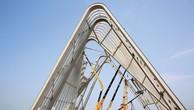 Công trình Cổng chào tại xã Bình Dương, thị xã Đông Triều, Quảng Ninh do Công ty CP Tập đoàn Hoàng Hà đầu tư với số vốn là 198 tỷ đồng. Ảnh: Đỗ Phương