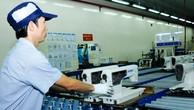 Nhiều doanh nghiệp Nhật Bản tại Việt Nam vẫn phải nhập khẩu thiết bị, vật tư cho sản xuất từ nước thứ ba. Ảnh: Tiên Giang
