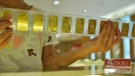 Giao dịch vàng miếng tại Tập đoàn DOJI. Ảnh:PV.