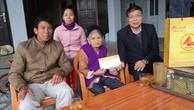 Tặng quà và trao tiền phụng dưỡng 6 tháng đầu năm 2019 cho Mẹ Việt Nam Anh hùng tại huyện Nam Đàn, Nghệ An