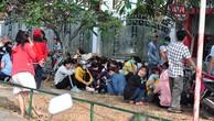 Vụ giám đốc người Hàn về nước: Hàng ngàn công nhân vạ vật chờ việc