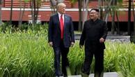 Trump (trái) và Kim Jong-un tại hội nghị thượng đỉnh ở Singapore tháng 6/2018. Ảnh: Reuters.