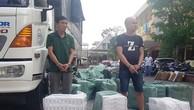 Quảng Trị: Thuê xe tải chở xe máy, ở giữa nhồi... 23.000 bao thuốc lá