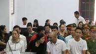 Bị cáo Thơ, Loan, Bảo, Ngượng (từ trái qua phải) tại phiên tòa phúc thẩm