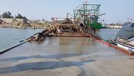 Tàu sắt hút lậu 100 m3 cát giữa sông Thạch Hãn