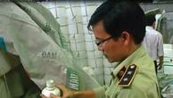 Chai phân bón 1 lít của Công ty Thuận Phong là hàng giả