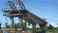 """Tiến độ xây cầu Đại Ngãi """"dậm chân tại chỗ"""""""